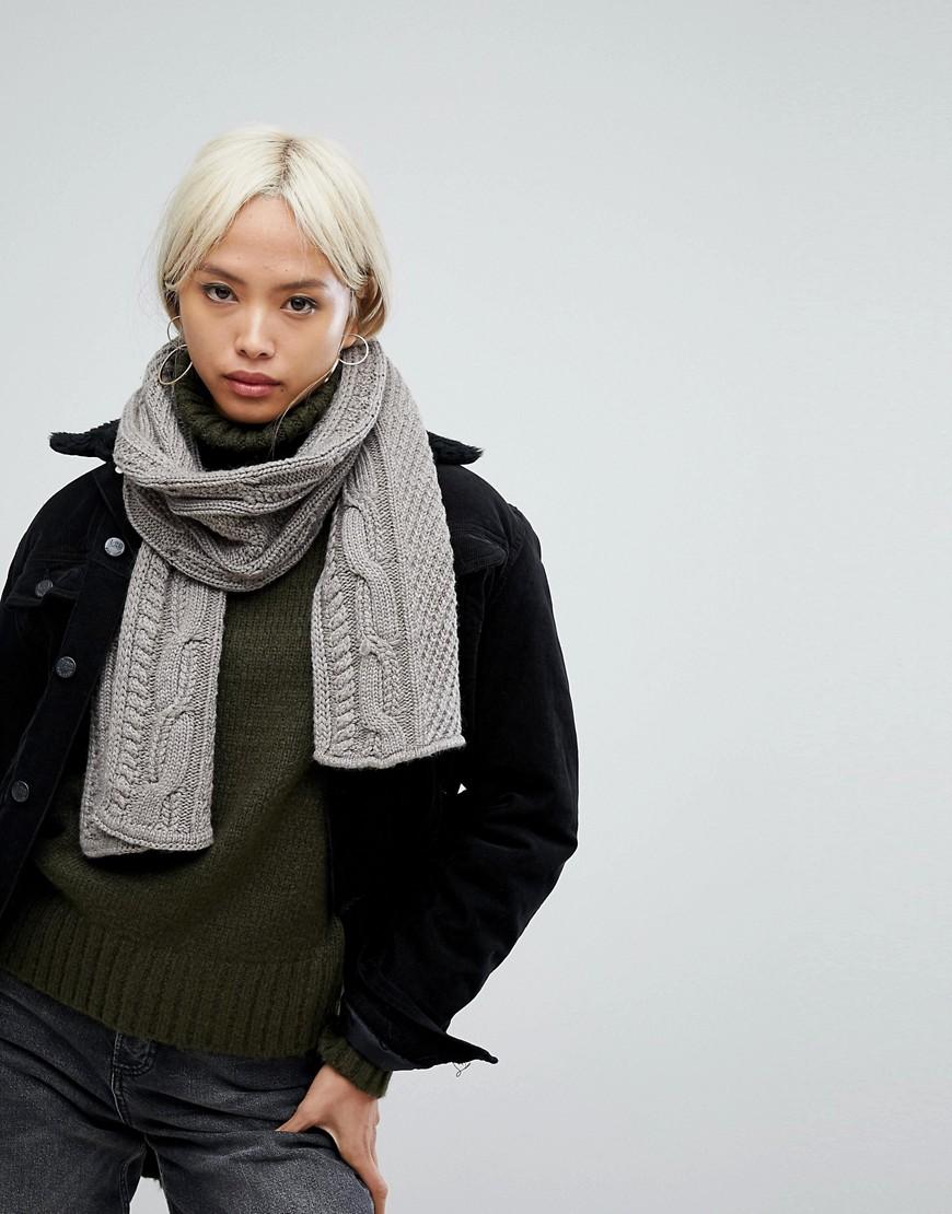 Alice Hannah - Grob gestrickter Schal mit Zopfmuster - Beige
