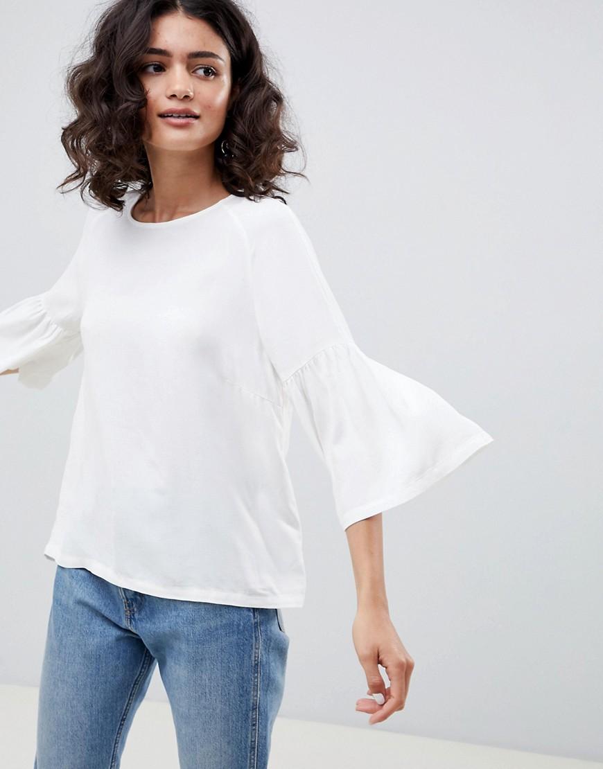 Just Female - Garner - Bluse mit Trompetenärmeln - Weiß