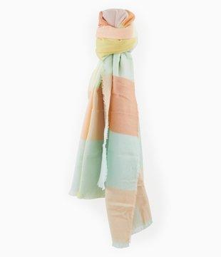 Schal in Pastellfarben