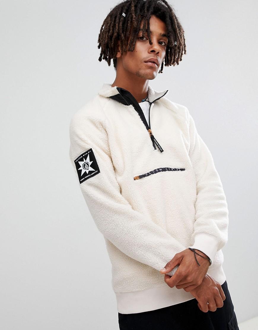 Volcom - Abandoned Playground - Sweatshirt aus Sherpa-Fleece mit 1/4-Reißverschluss in Weiß - Weiß