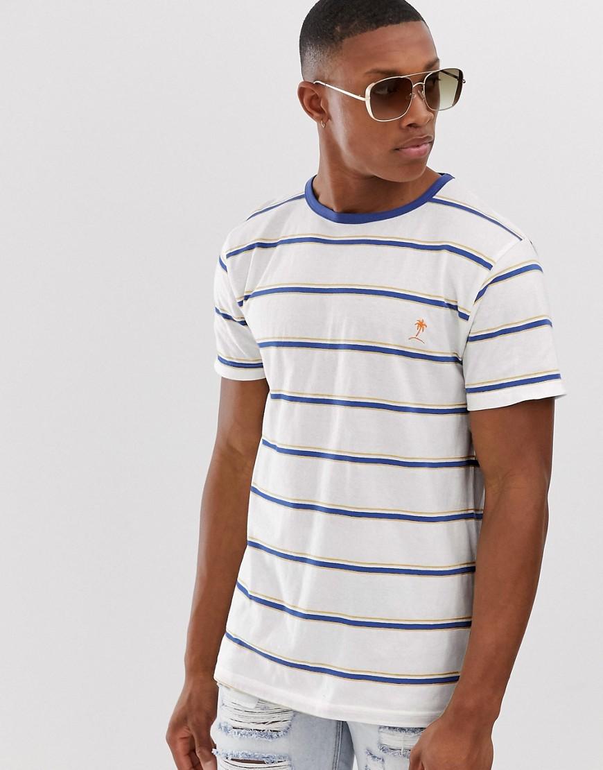 Bellfield - Ausgestelltes T-Shirt in Weiß gestreift - Weiß
