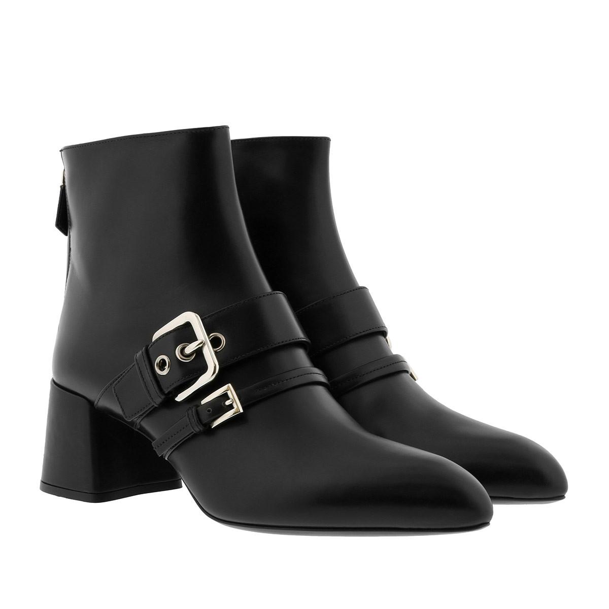Prada Boots - Pointed Toe Ankle Boots Leather Black - in schwarz - für Damen
