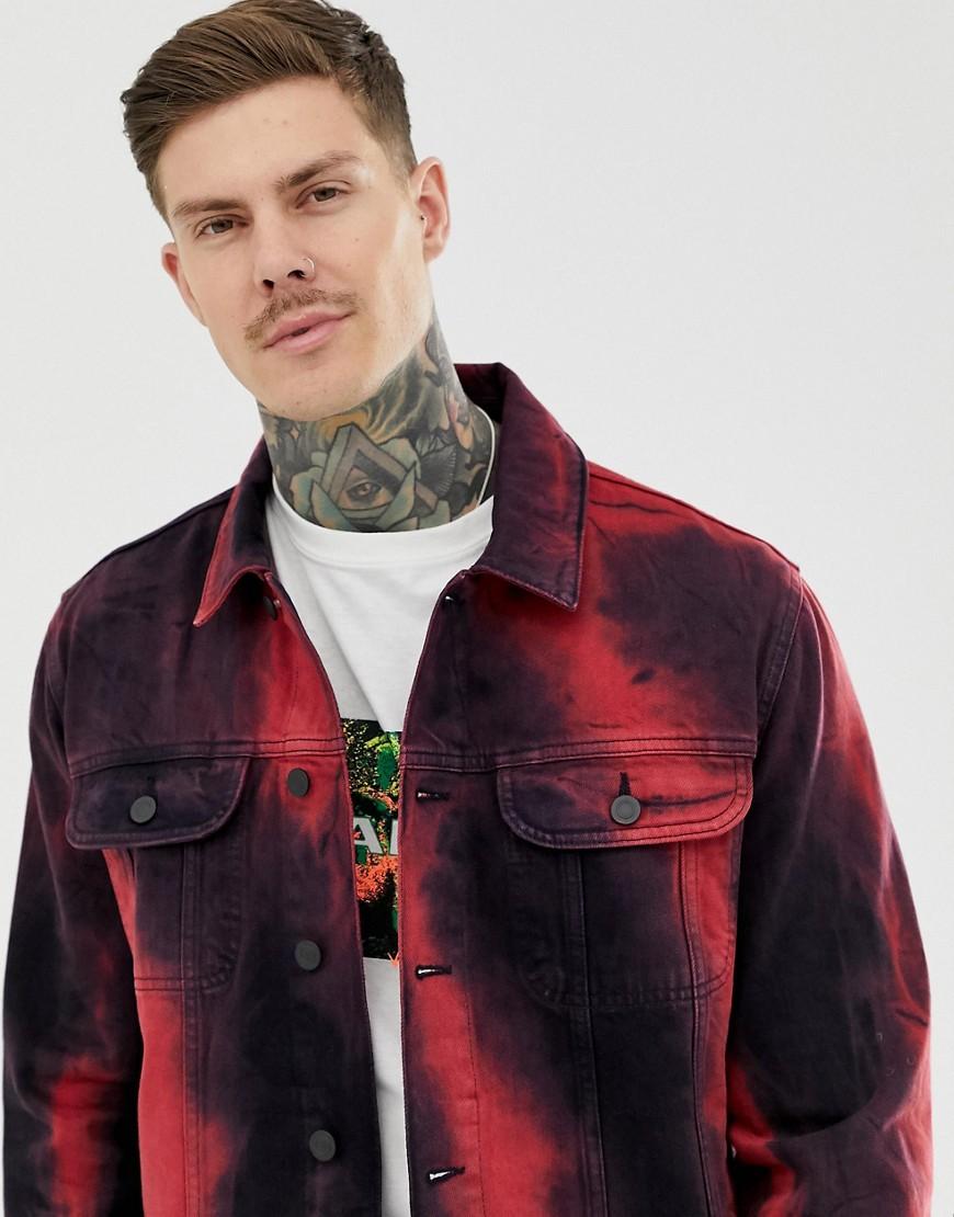 ASOS DESIGN - Oversize-Jeansjacke mit rotem Batikmuster - Rot