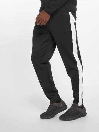 DEF Sports Männer Jogger Pants Rogerg in schwarz