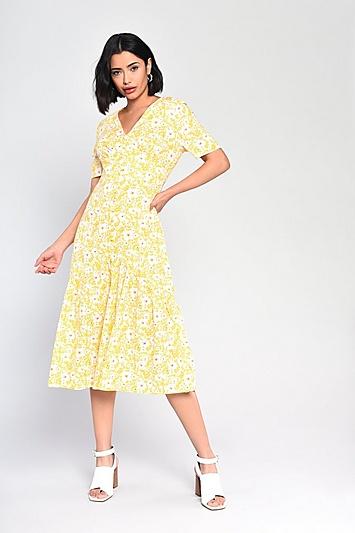 **Geblümtes Kleid mit Knopfleiste von Glamorous - Gelb