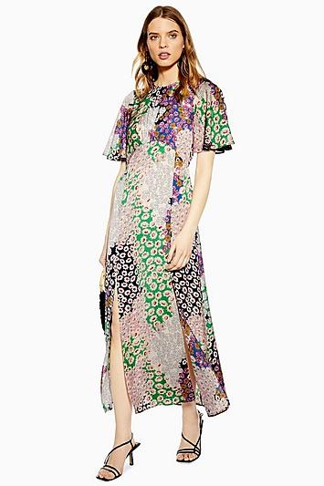 Kleid mit Engelsärmeln und Gänseblümchenmuster - Rosé