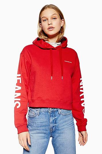 Kurzer Kapuzenpulli von Calvin Klein - Rot
