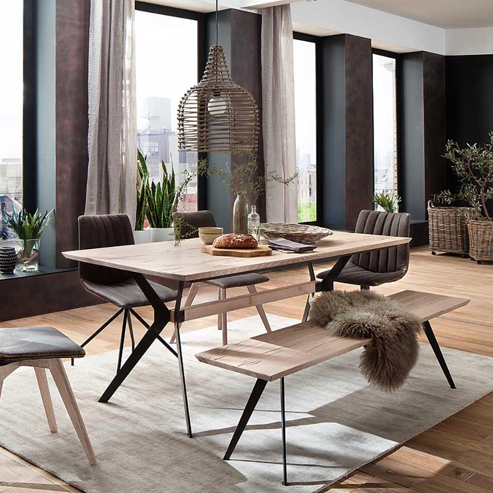 Massivholztisch im Loft Design Eiche gekälkt und Metall