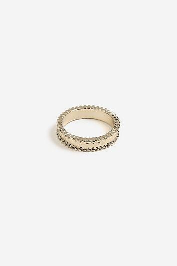 Ring in Hammerschlagoptik - Gold