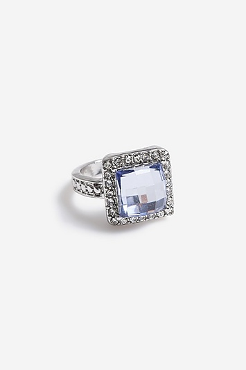 **Ring mit herzförmigem Schmuckstein - Pastellblau