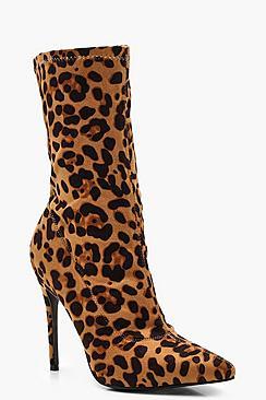 Spitz zulaufende Stiefeletten in Leoparden-Design