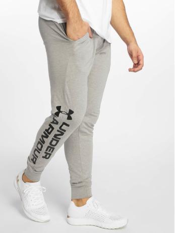 Under Armour Männer Jogger Pants Sportstyle Cotton Graphic in grau