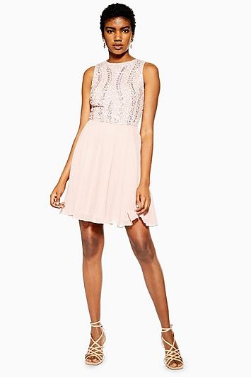 **Verziertes Kleid von Lace & Beads - Pink