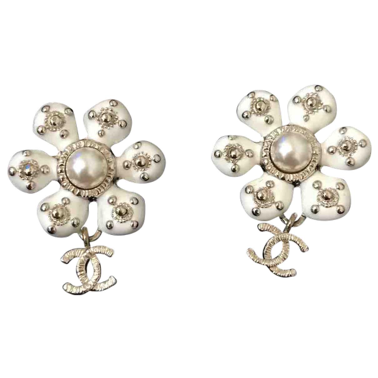 Chanel CHANEL White Earrings for Women N