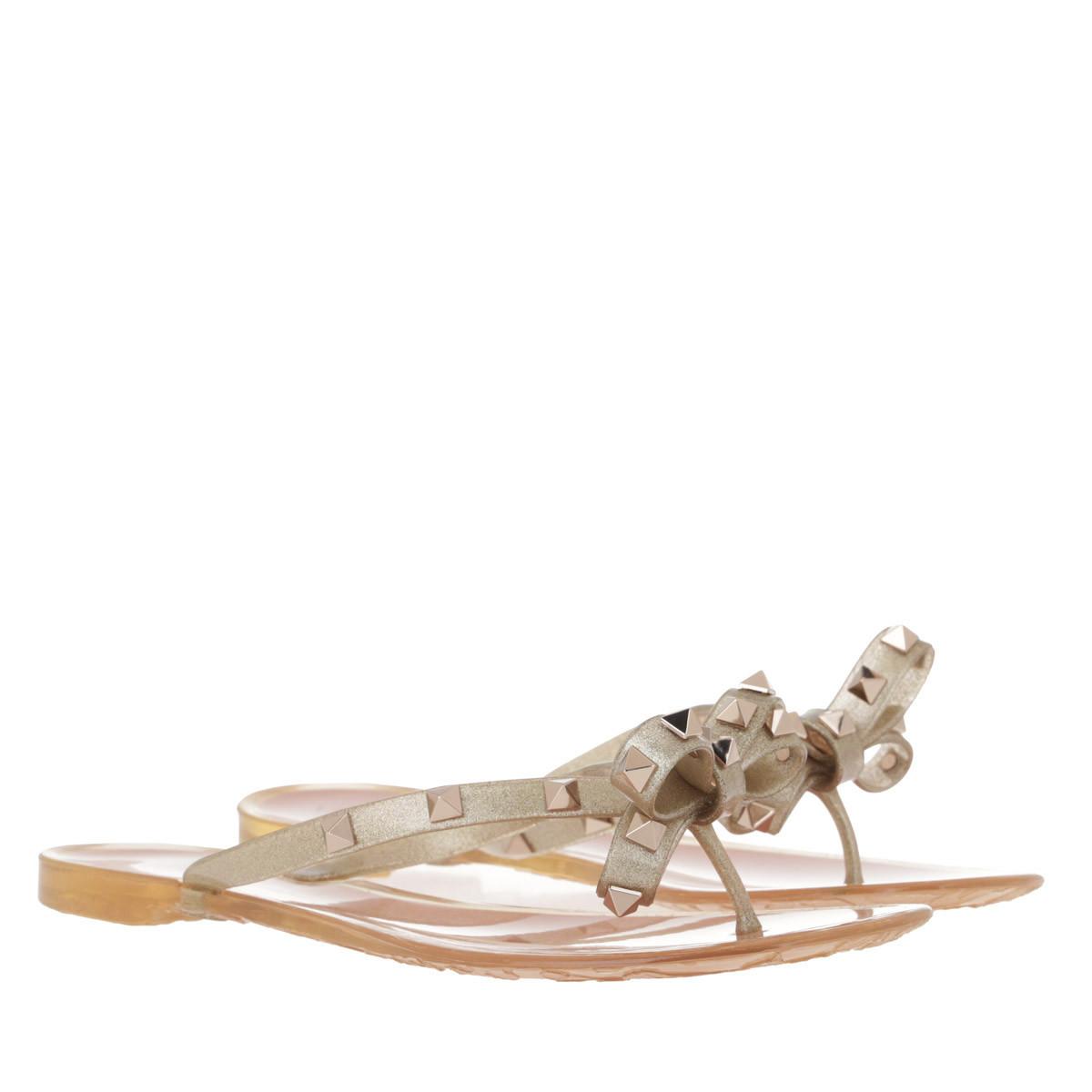 Valentino Schuhe - Rockstud Flip Flops Gold - in gold - für Damen