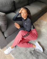 adidas Training - Oversize-Jogginghose mit 3 Streifen in Rosa
