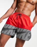Nike Swimming - Volley-Shorts in Rot, 5 Zoll