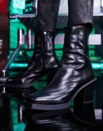 ASOS DESIGN - Chelsea-Stiefel aus schwarzem Leder mit Absatz